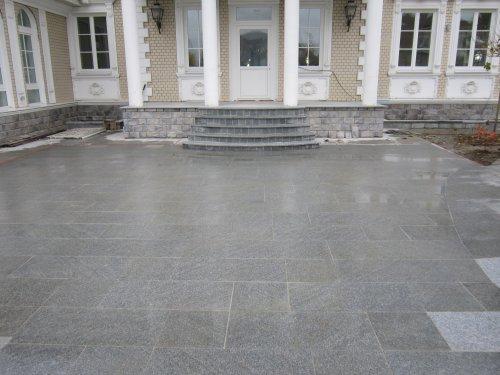 Крыльцо и площадка из серого гранита Шандонг Грей термо