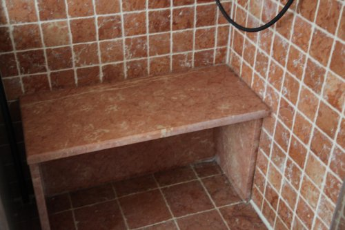 Скамья для душевой из мрамора Россо Верона антик
